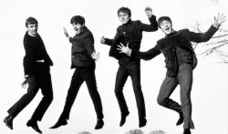The Beatles, sur la pochette du single Twist And Shout