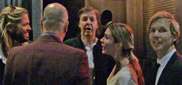 Paul McCartney, Taylor Hawkins et Beck